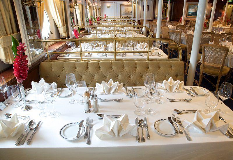 Restaurant du bateau de croisière du Star Clipper