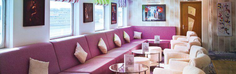 Bar du bateau de croisière MS Kandinsky Prestige