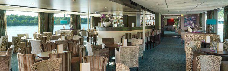 Bar du bateau de croisière MS Amadeus Elegant