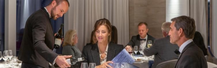 Photo du restaurant du bateau de croisière Le Commandant Charcot