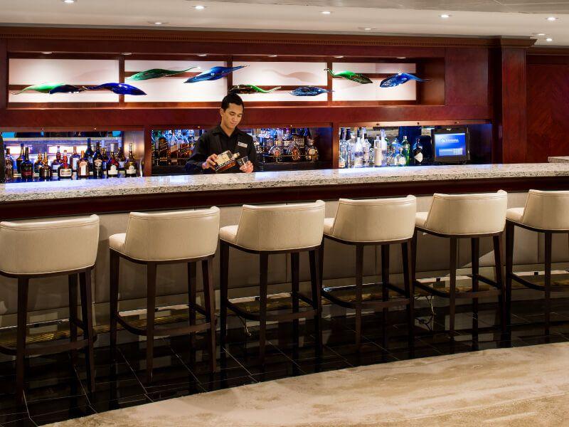 Living Room Bar du bateau de croisière Azamara Journey