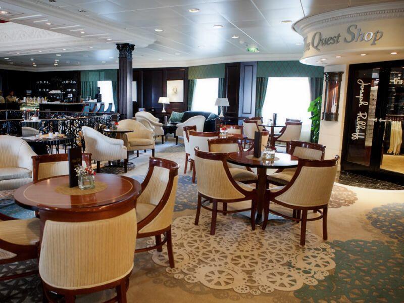 Mosaic Café du bateau de croisière Azamara Quest