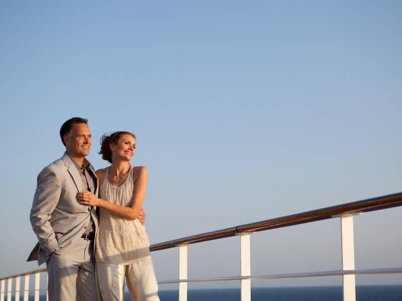 Couple à bord du bateau de croisière Seven Seas Mariner