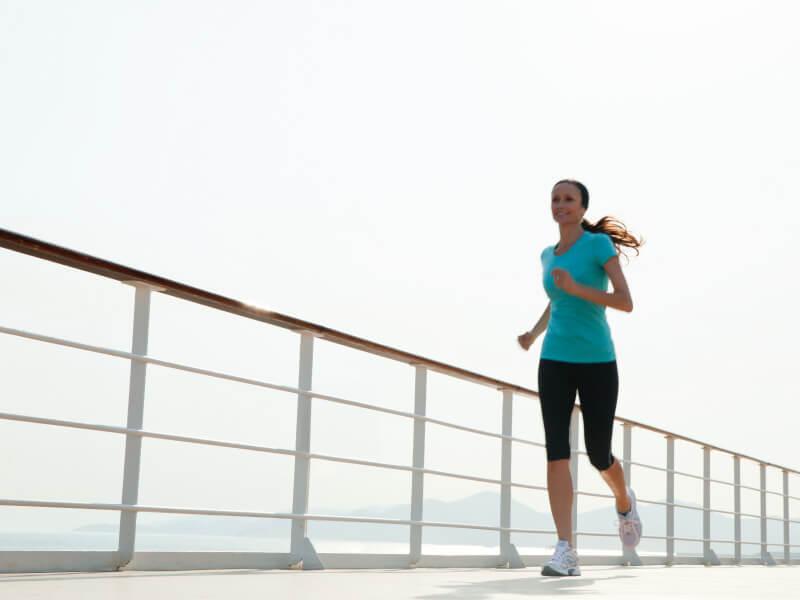 Jogging à bord du bateau de croisière Seven Seas Mariner
