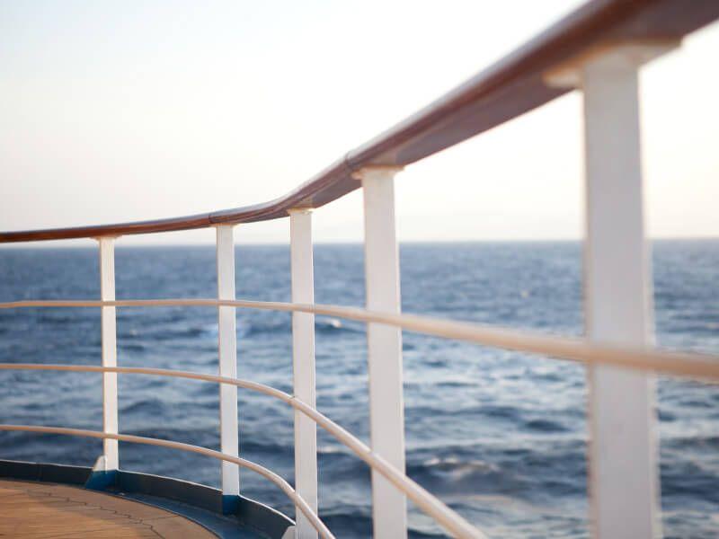 Pont extérieur du bateau de croisière Seven Seas Mariner