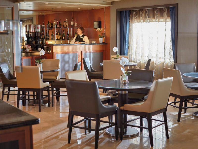 Café à bord du bateau de croisière Seven Seas Voyager