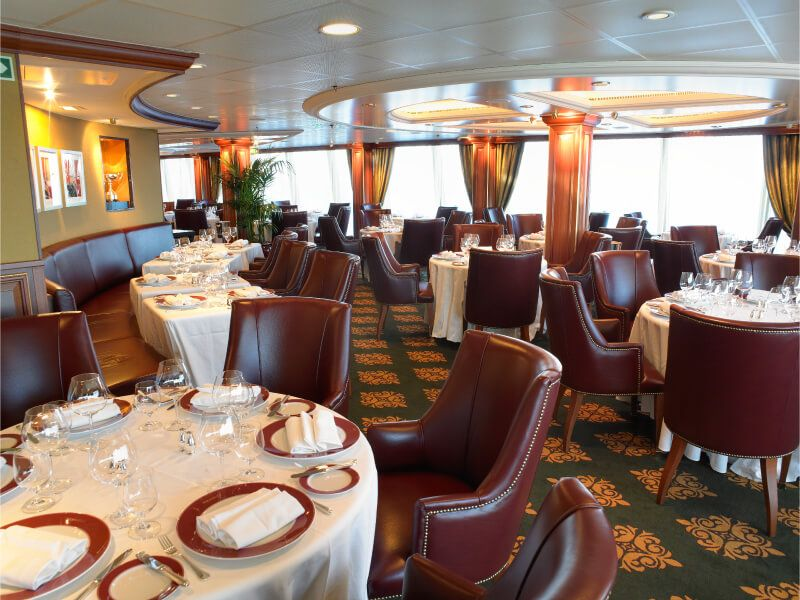 Polo grill du bateau de croisière Riviera
