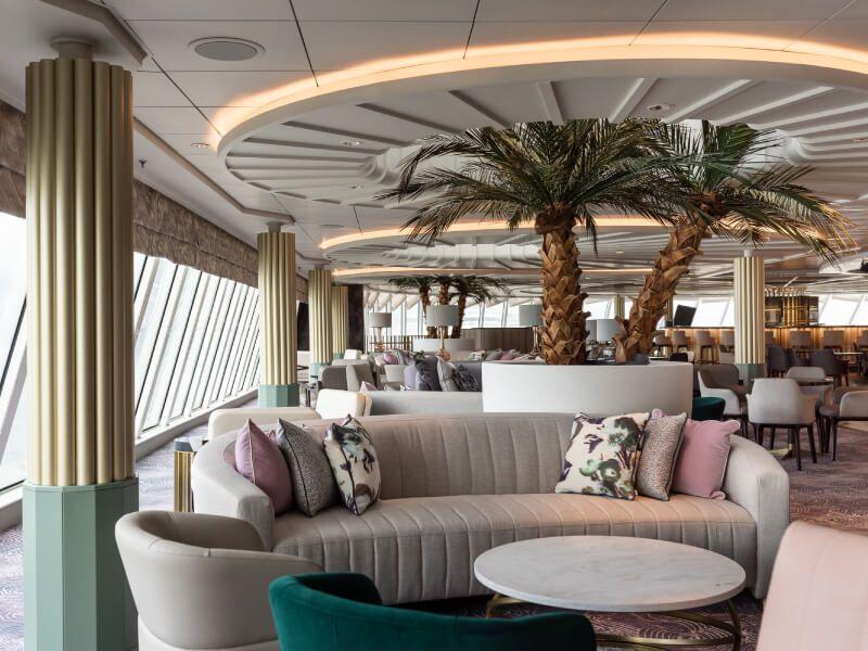 Palm Court du bateau de croisière Crystal Serenity
