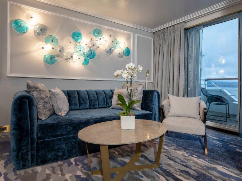 Salle de séjour du bateau de croisière Crystal Serenity