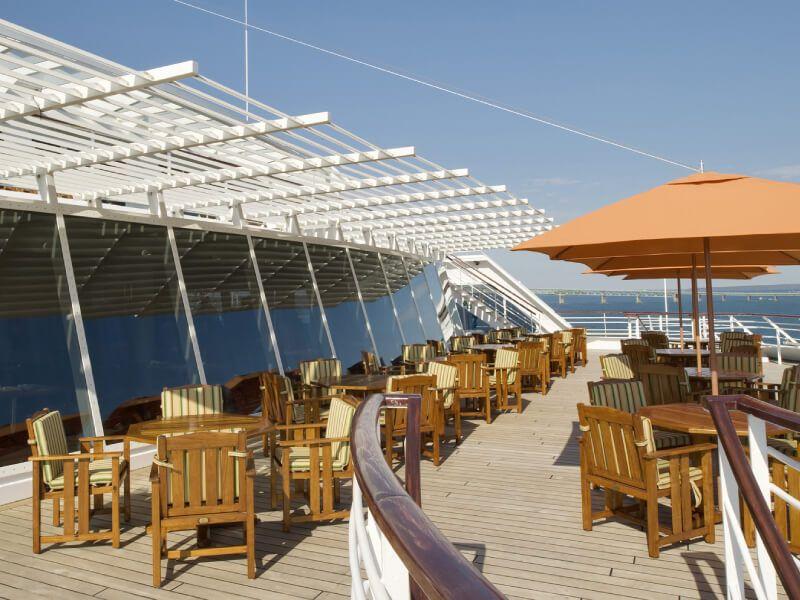 Pont lido café du bateau de croisière Crystal Symphony