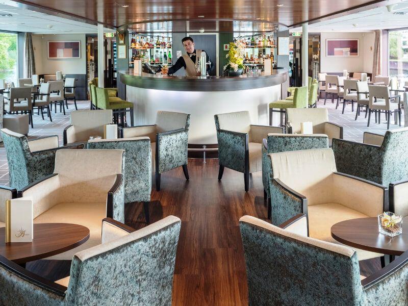Panorama bar du bateau de croisière Amadeus Diamond