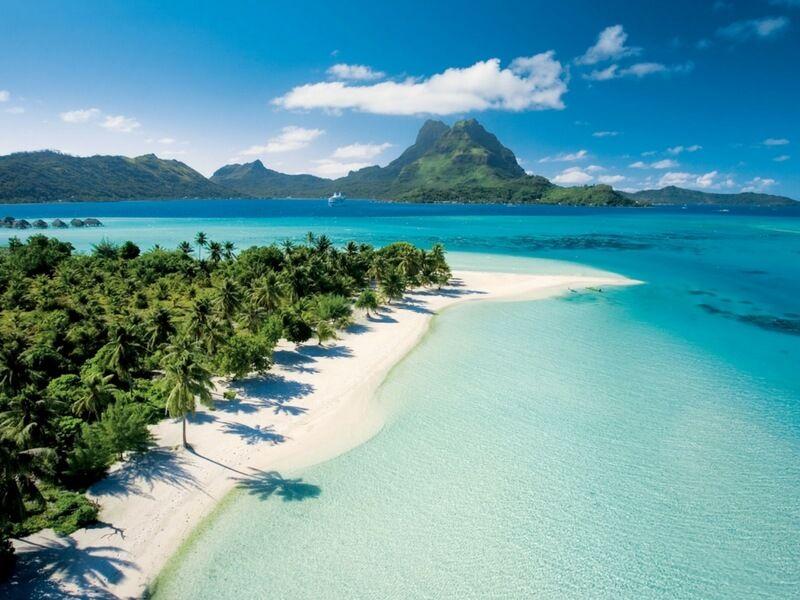 Plage privée Bora Bora lors d'une croisière à bord du bateau de croisière Paul Gauguin