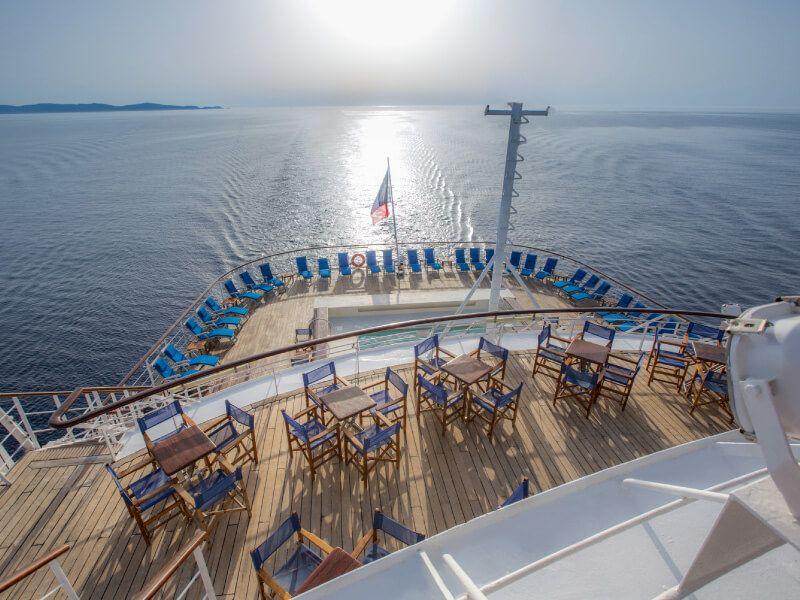Arrière du bateau de croisière Club Med 2