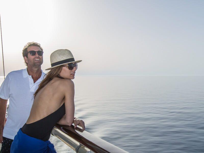 Couple à bord du bateau de croisière Club Med 2